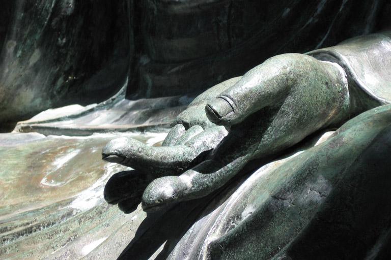noch ein Foto von der linke Hand der Statue ... hier stand ich am links; 11. Juli 2006